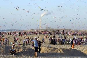 Palestine kite flyers